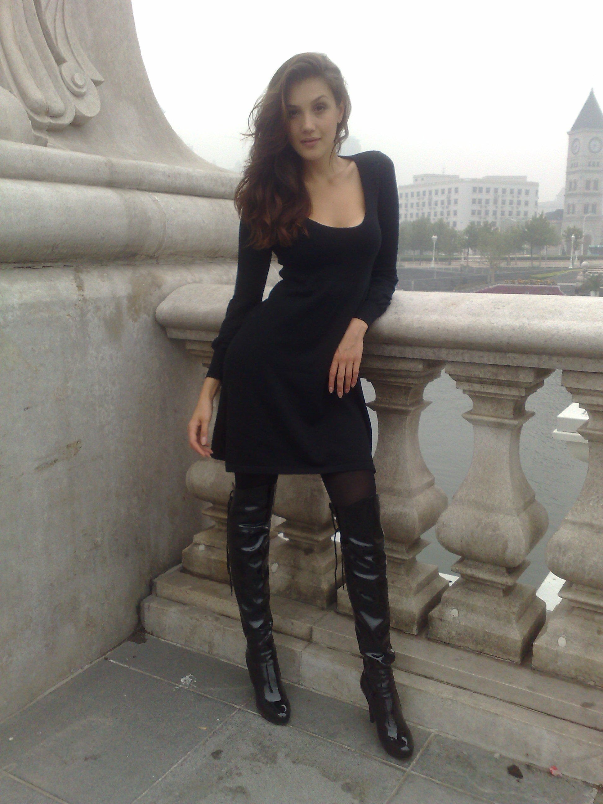 anina.net: Tianjin - Thigh High Boots Always Make You Sexy